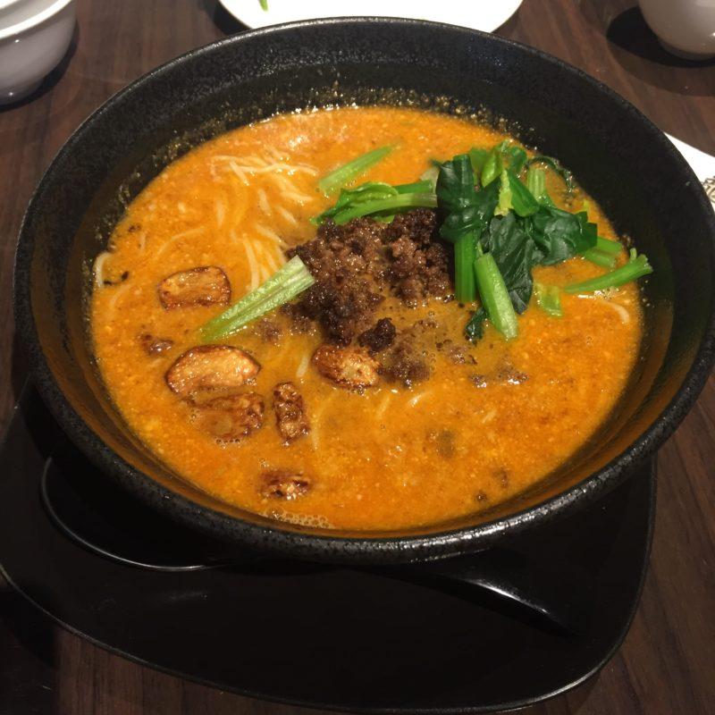 鳳龍亭の担々麺